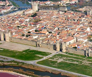 AIGUES MORTES INTERNET